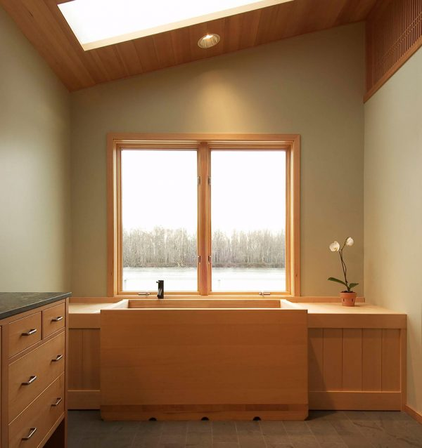 Banker Floating home bathtub