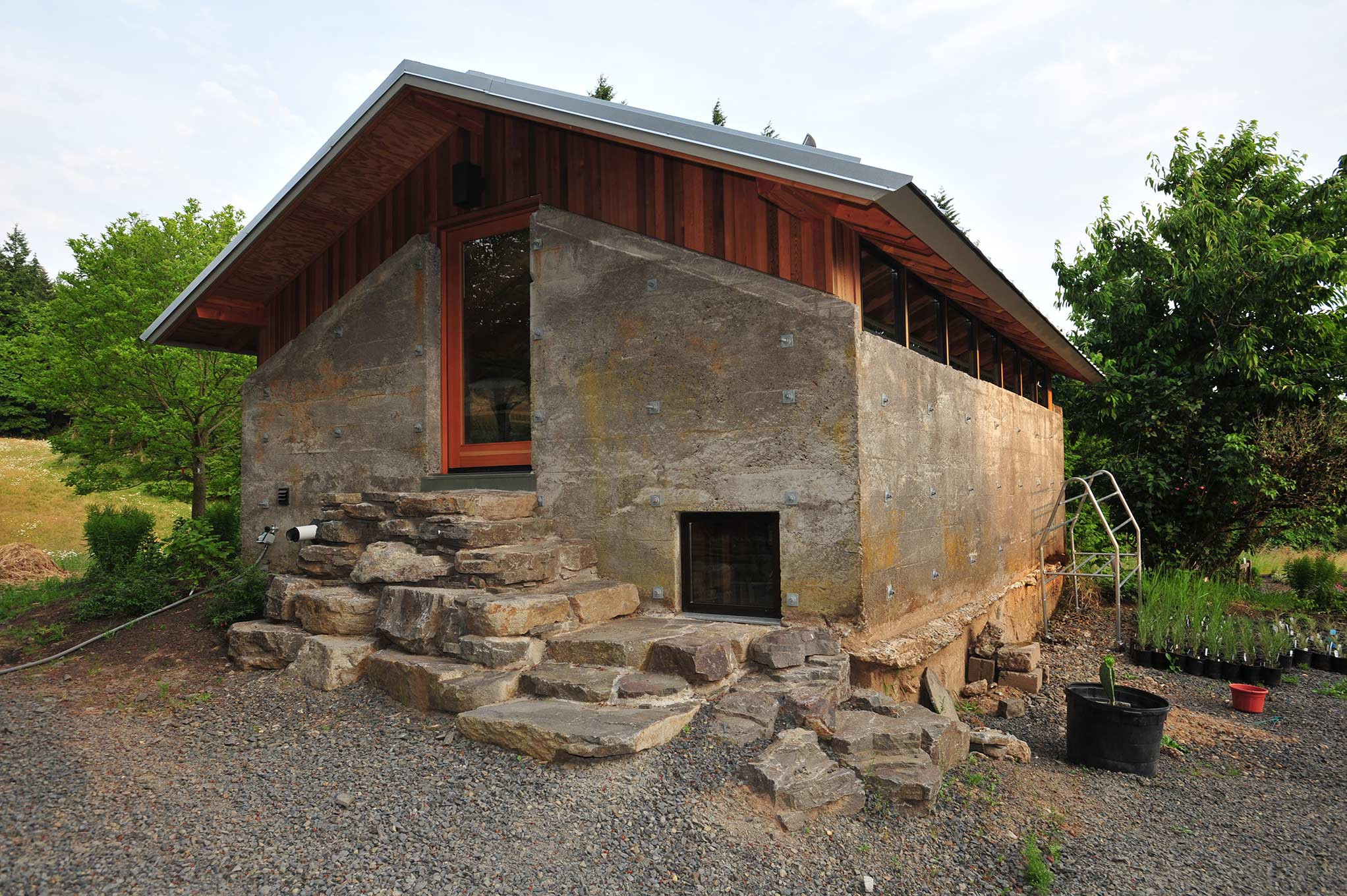 West Wind Tractor House exterior
