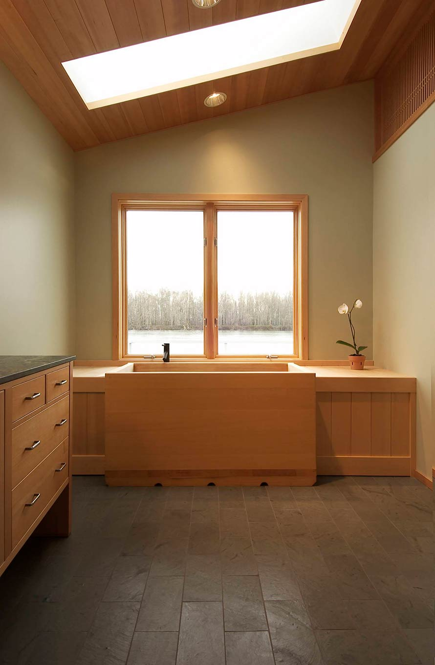 Banker floating house bathtub